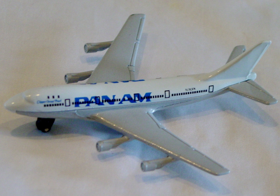 Sky Buster 10 A 20 - Boeing 747 White/P-Silver Pan Am no tail labels made in Thailand