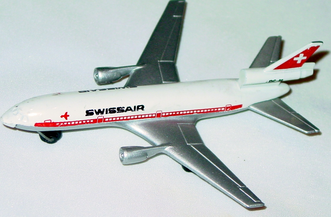Sky Buster 13 A 3 - DC-10 White/sil-Grey Swissair thin axles ENGLAND