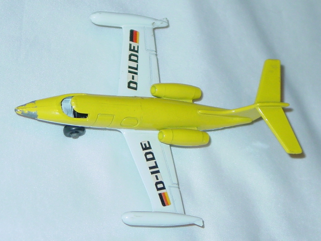 Sky Buster 01 A 2 - Leer Jet Yellow DL-ILDE labels no window ENG