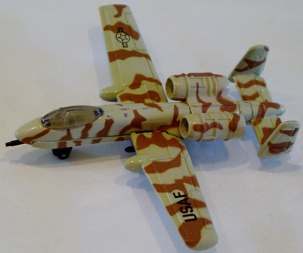 Sky Buster 32 A 3 - A-10 Thunderbolt tan/brown USAF CHINA