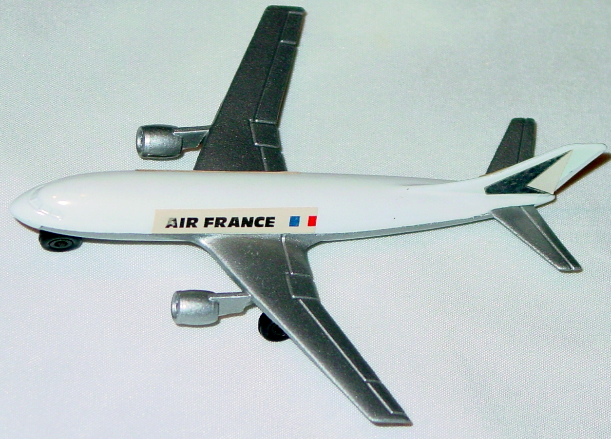 Sky Buster 03 A 2 - A300 Airbus White Air France thin axle 4-side label ENG
