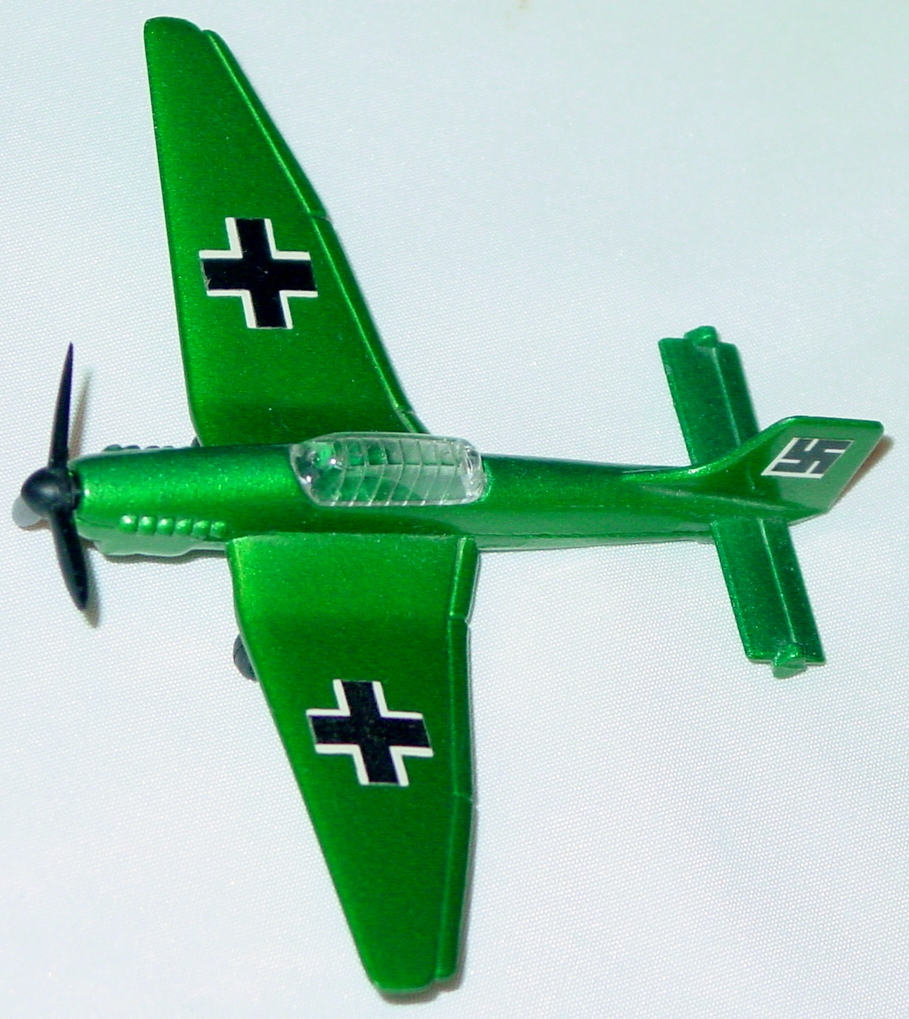 Sky Buster 07 A 1 - Junkers 87B Green thin axles swastika on tail ENG