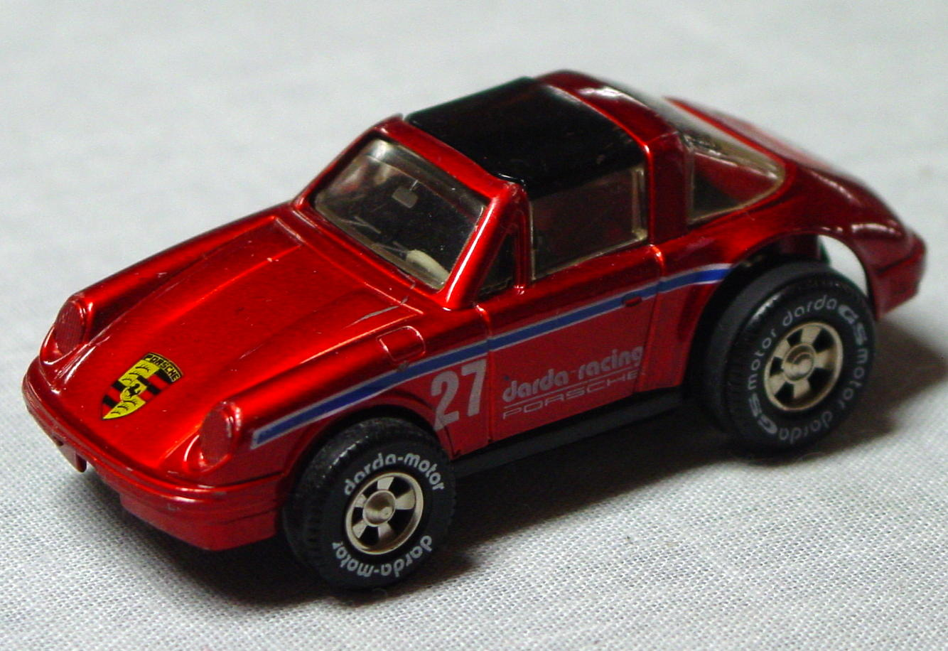 64 - DARDA Porsche met Red CHINA