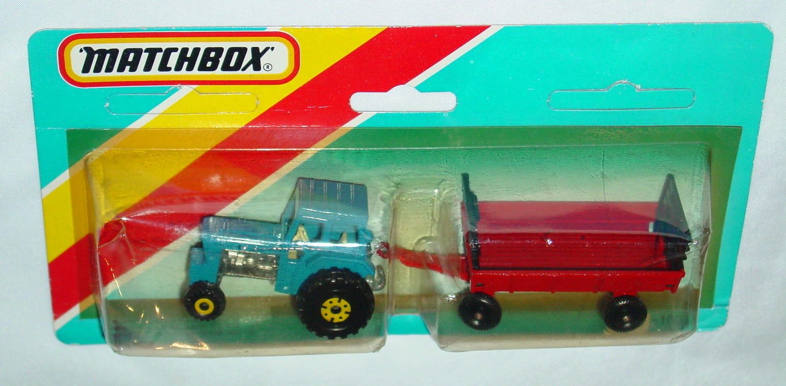 Twin Pack 108 A 1 - blue 46C4 tractor red Hay trailer ENG C9+ blue card