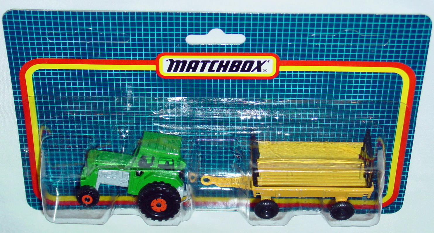 Twin Pack 108 A 3 - Green 46C Tractor/Yellow 40 Trailer C9.5 Card