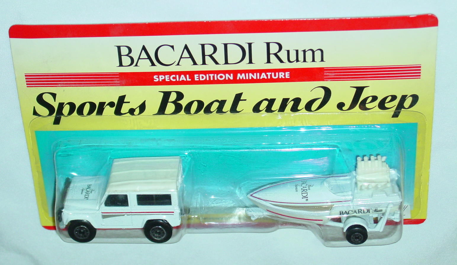Twin Pack 121 A 2 - white 35F16 Land Rover white 5B17 BICARDI RUM C9.5