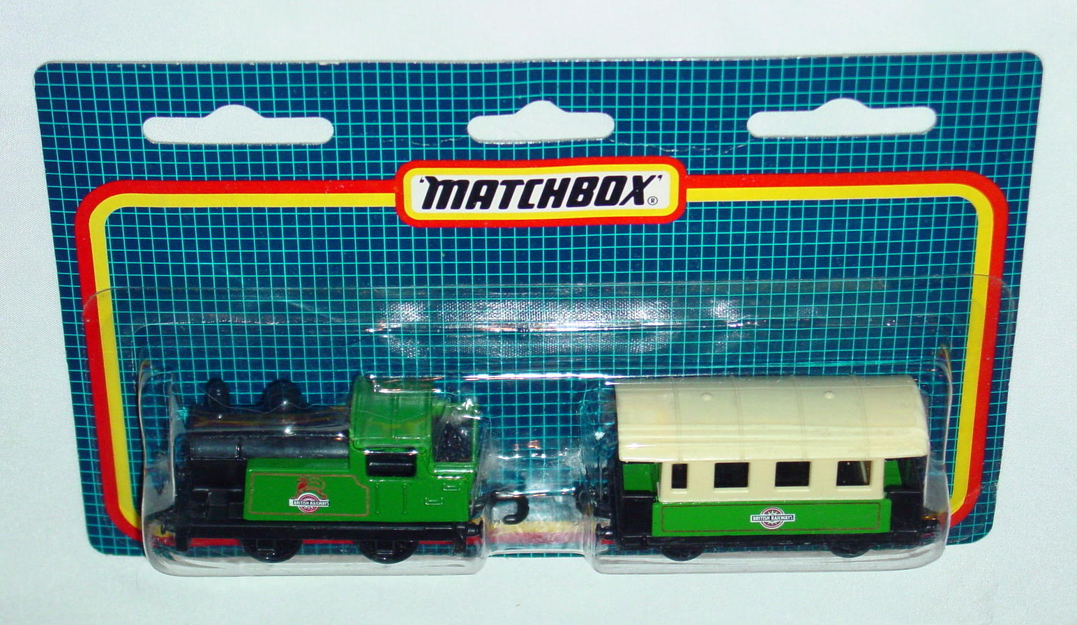 Twin Pack 124 A 1 - green 43C22 44C27 British Railways C9+ blue checkers