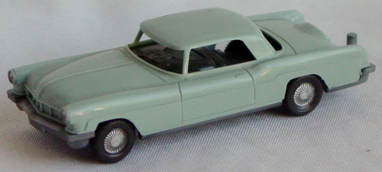 87 - WIKING Lincoln Pale Blue
