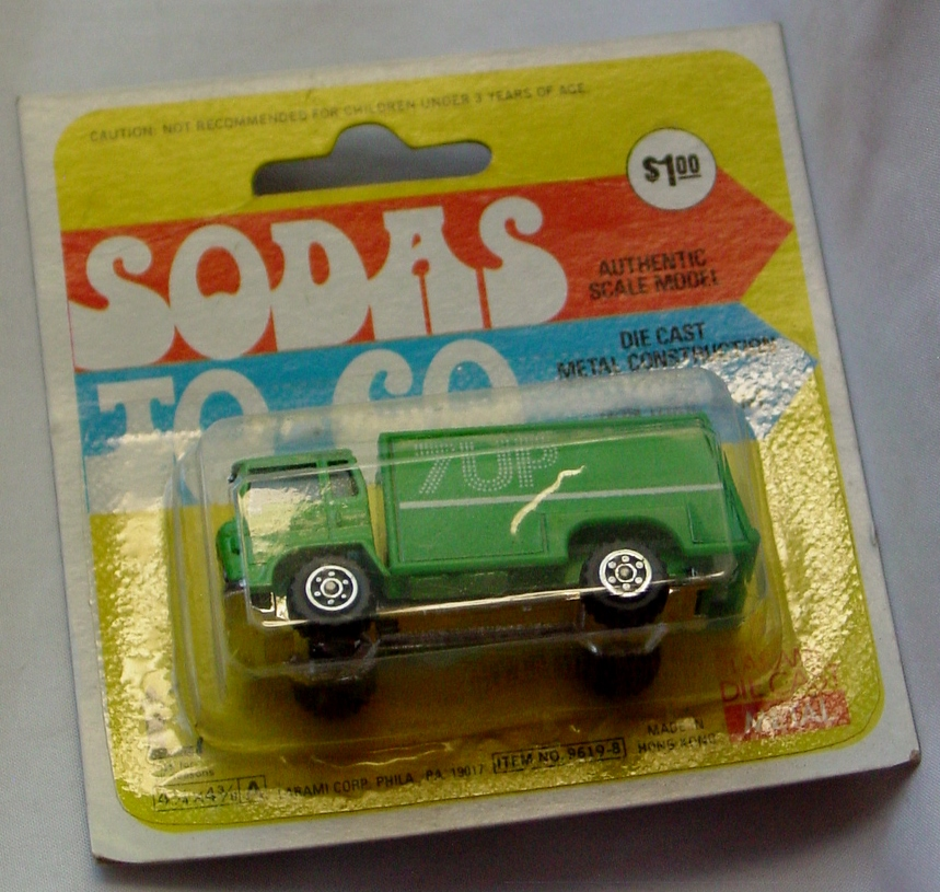 64 - YATMING 7-Up Truck Green HK