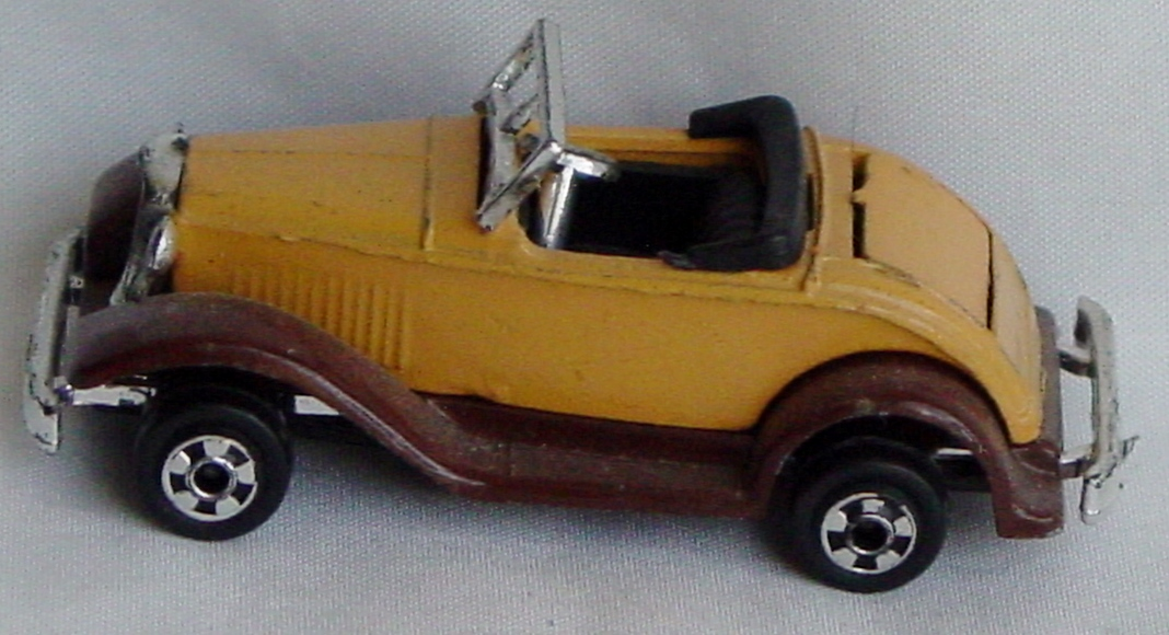 64 - ZYLMEX P325 Ford Roadster HK
