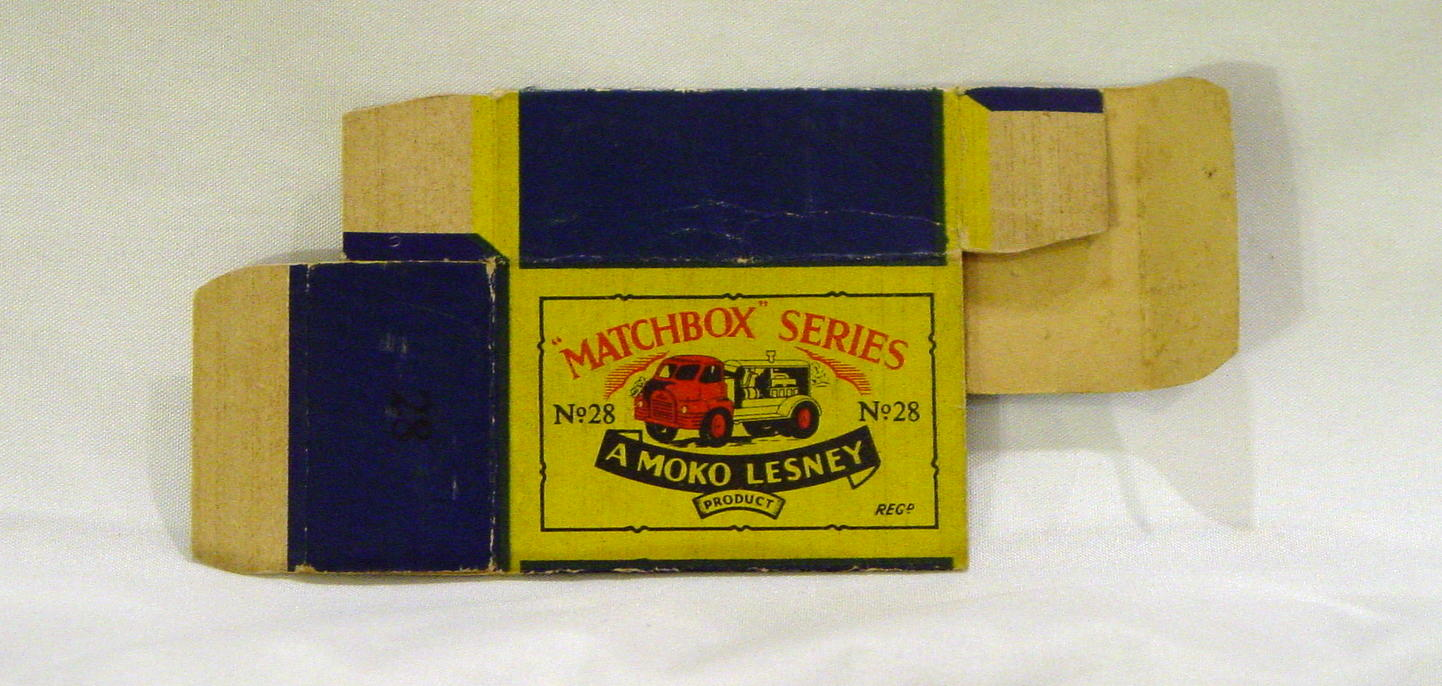 Empty Box 28 A - C9- B2 BOX ONLY -1 inner flap