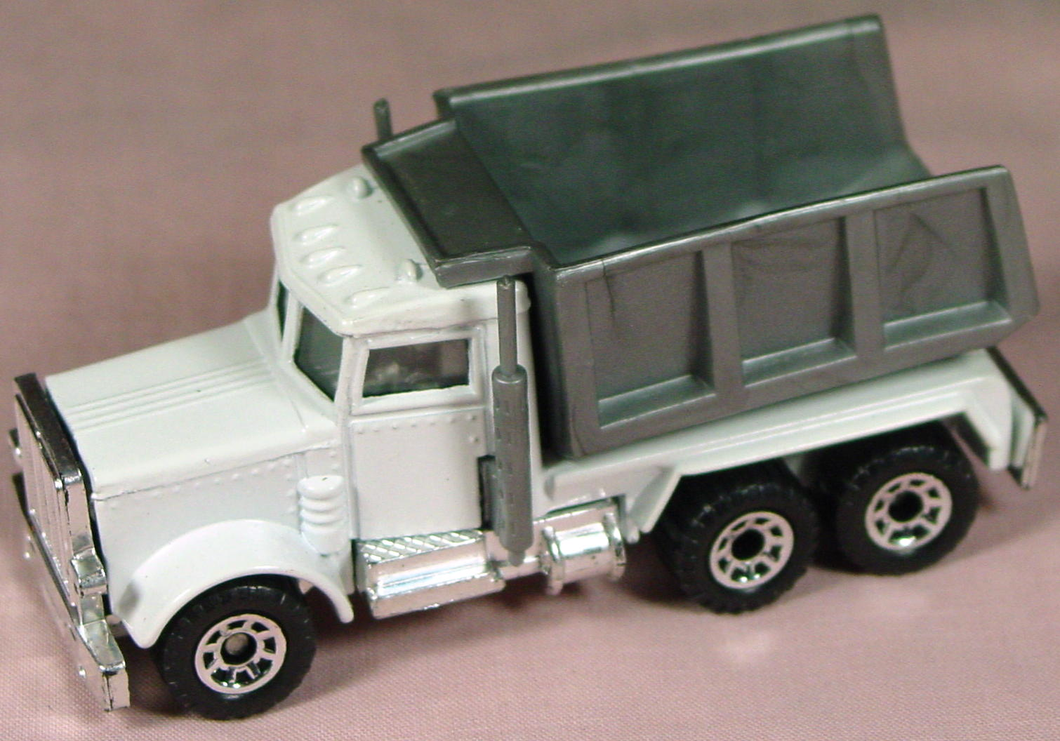 ASAP-CCI 30 E 28 - Peterbilt Quarry White no tampo made in China ASAP blank