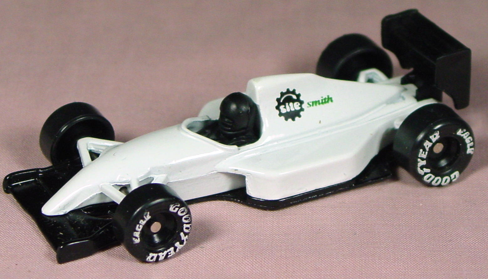 ASAP-CCI 74 J 30 - Formula One Racer White Site Smith made in China ASAP