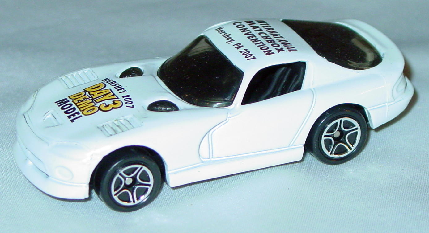 ASAP-CCI 01 G - Dodge Viper GTS White Hershey 07 demo yellow
