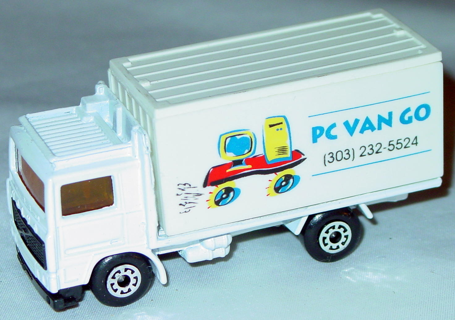 ASAP-CCI 20 D 42 - Volvo Cont Truck White and White  PC Van Go ASAP