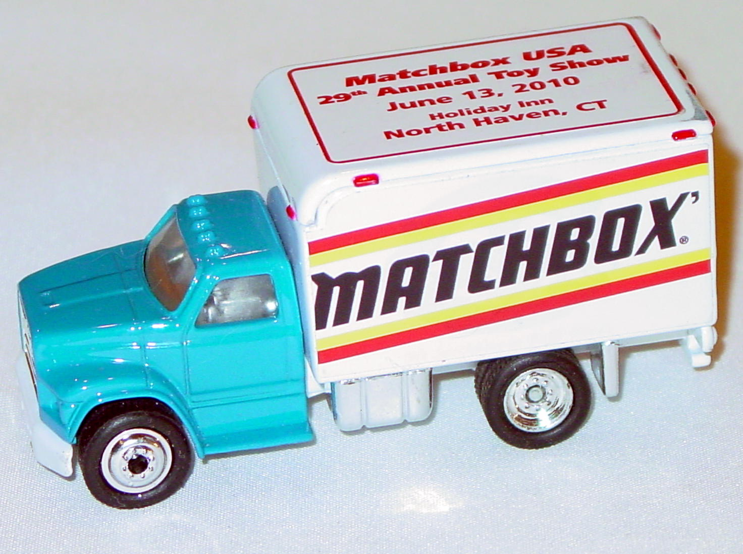 ASAP-CCI 01 - FS001 Ford 800 Del Van Blue Matchbox 2010