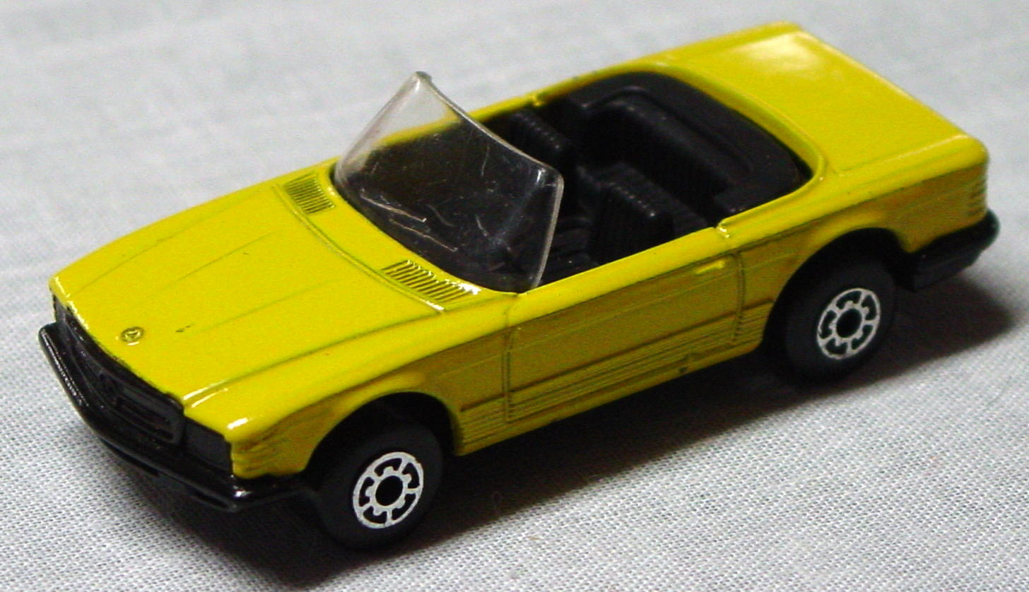 Bulgarian 06 B 04 - Mercedes 350SL Yellow black base