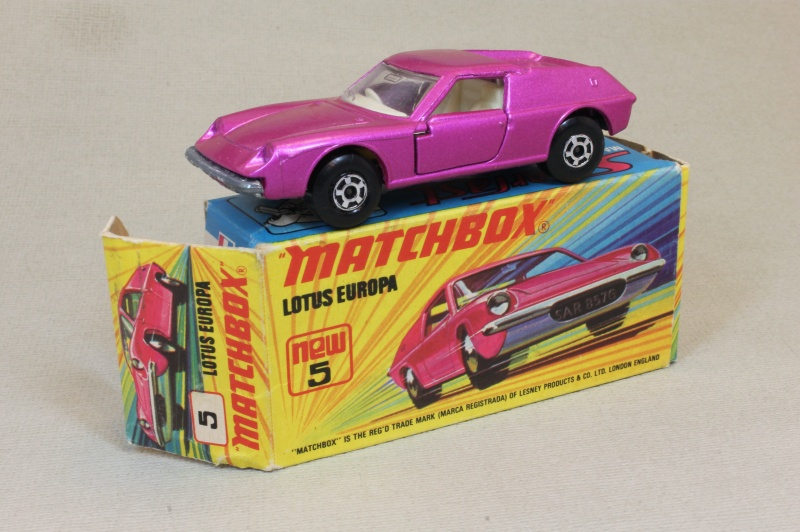 Lesney SuperFast 05 A 4 - Lotus Europa pink thick wheels C9- I box