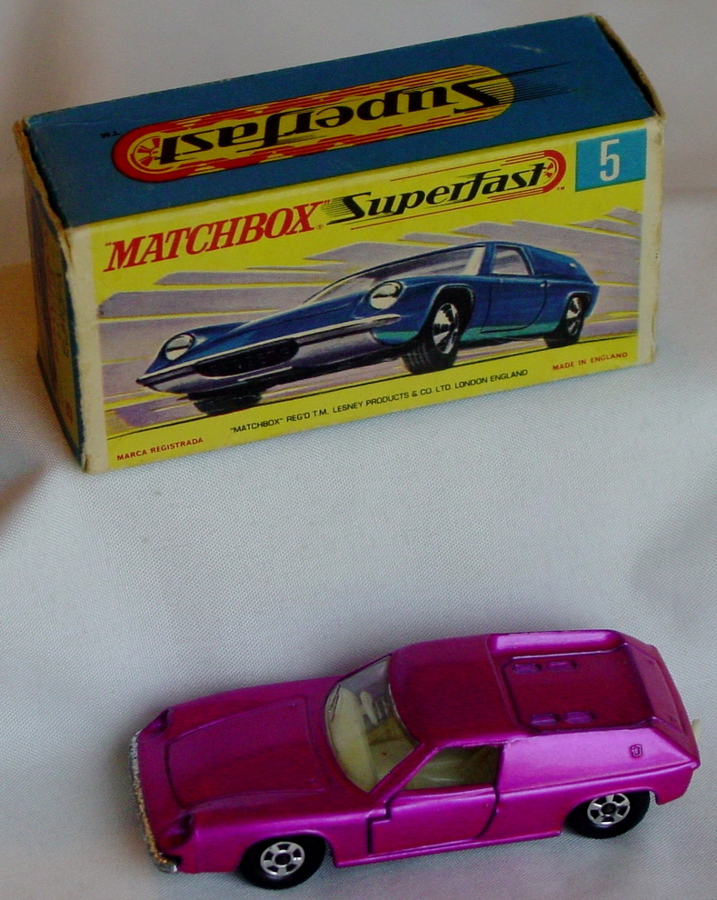 Lesney SuperFast 05 A 4 - Lotus Europa pink thin wheels C9- G box