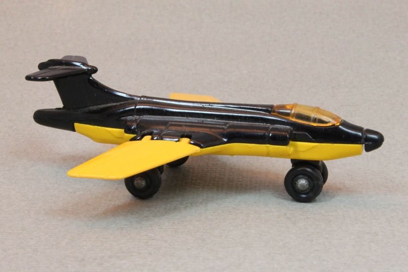 Lesney SuperFast 02 D 1 - S2 Jet black and yellow amber canopy