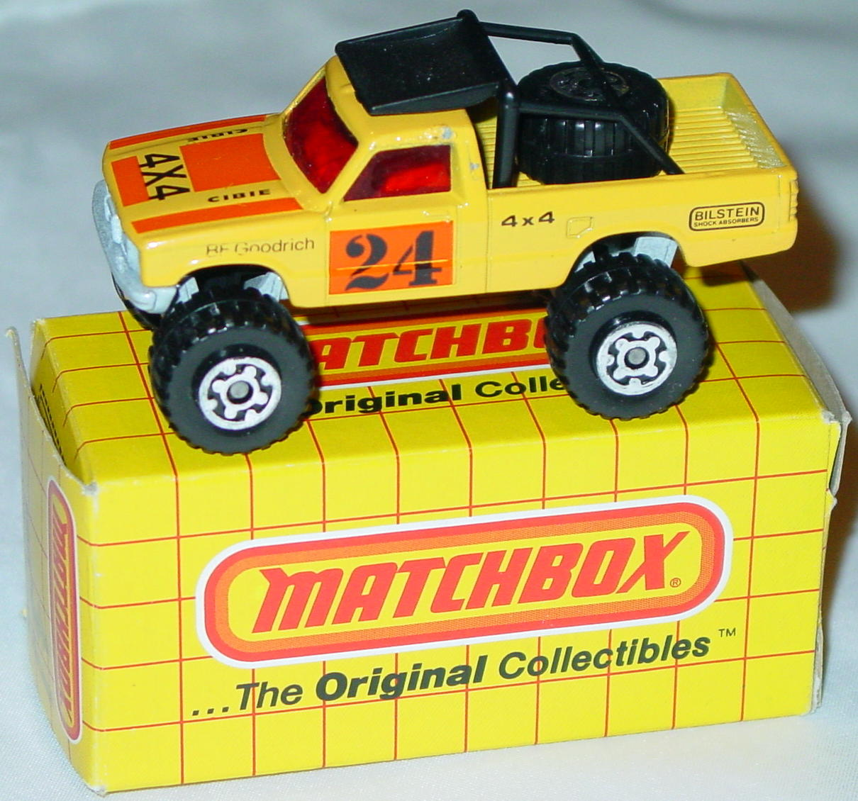 Offshore SuperFast 13 D 8 - 4x4 Truck yellow pearly-silver base BF Goodrich Made in Macau yellow box