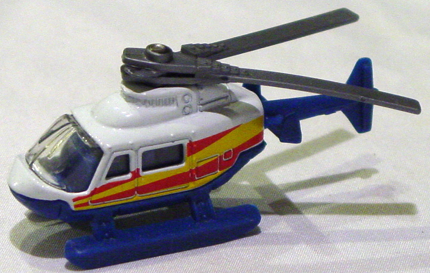 Offshore SuperFast 60 K 1 - 1999 60 Rescue Chopper White yellow and red tampo made in China