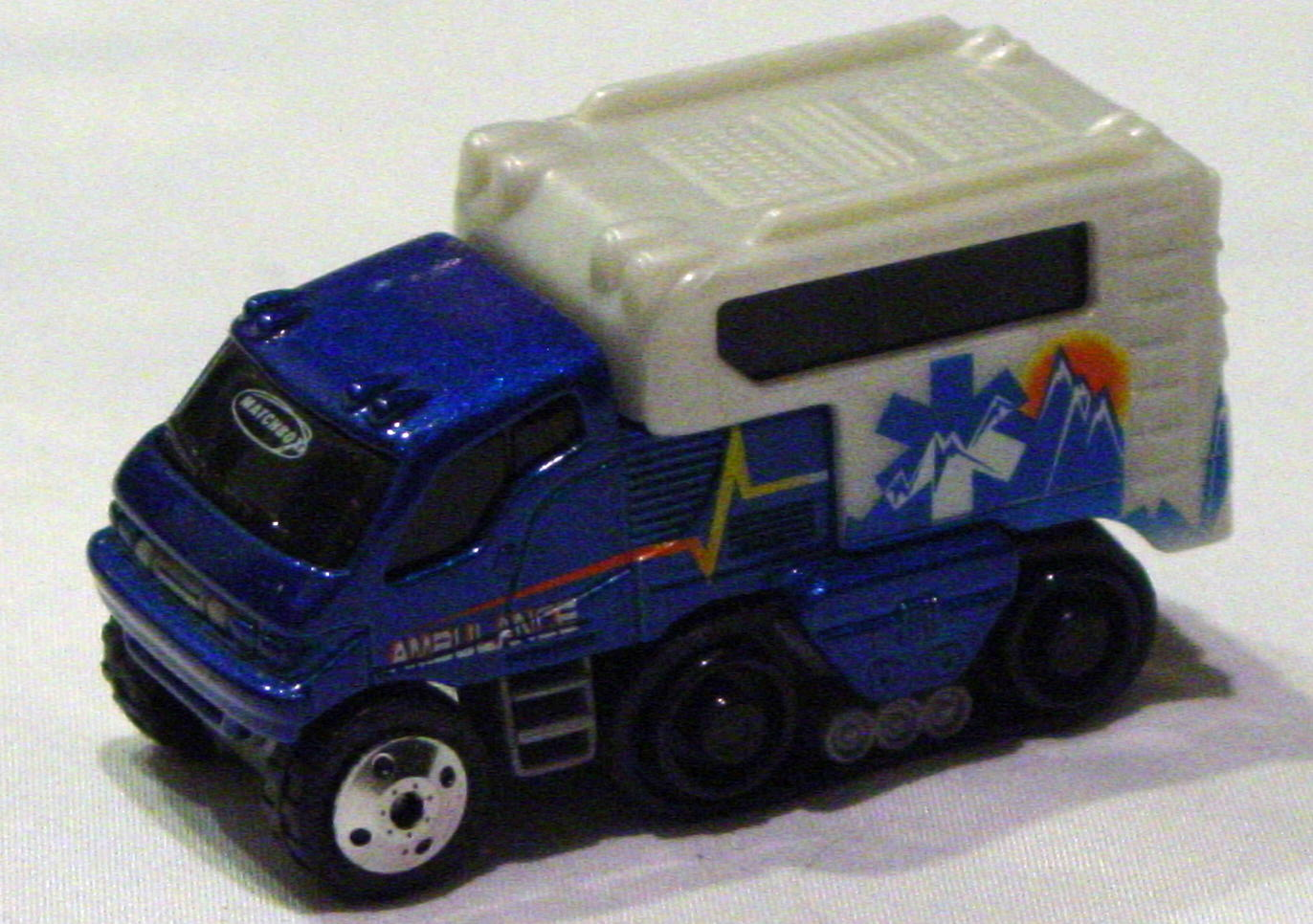 Offshore SuperFast 06 I 1 - Arctic Track Truck darker met Blue Ambulance made in China