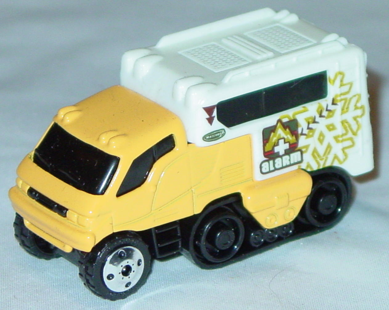 Offshore SuperFast 06 I 9 - Arctic Track Truck org-Yellow Alarm snowflake made in China