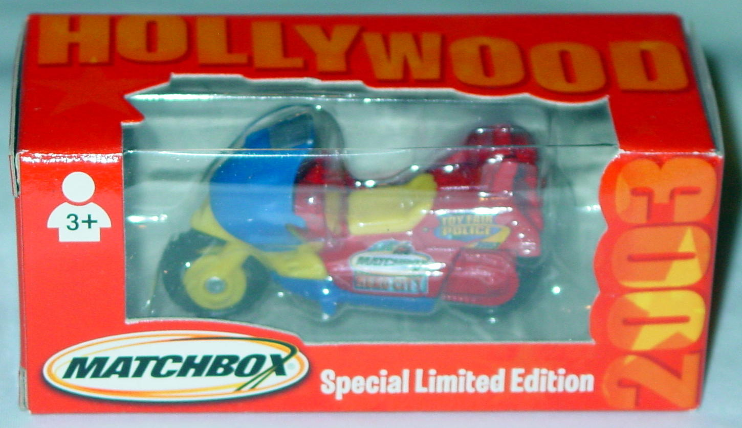Offshore SuperFast - Cycle yellow and red and blue Toy Fair 03 Hollywood Hero City