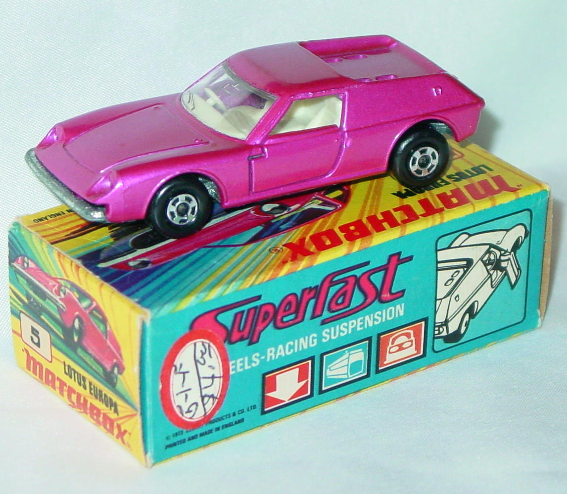 Lesney SuperFast 05 A 4 - Lotus Europa pink thick wheels C9+ I with new