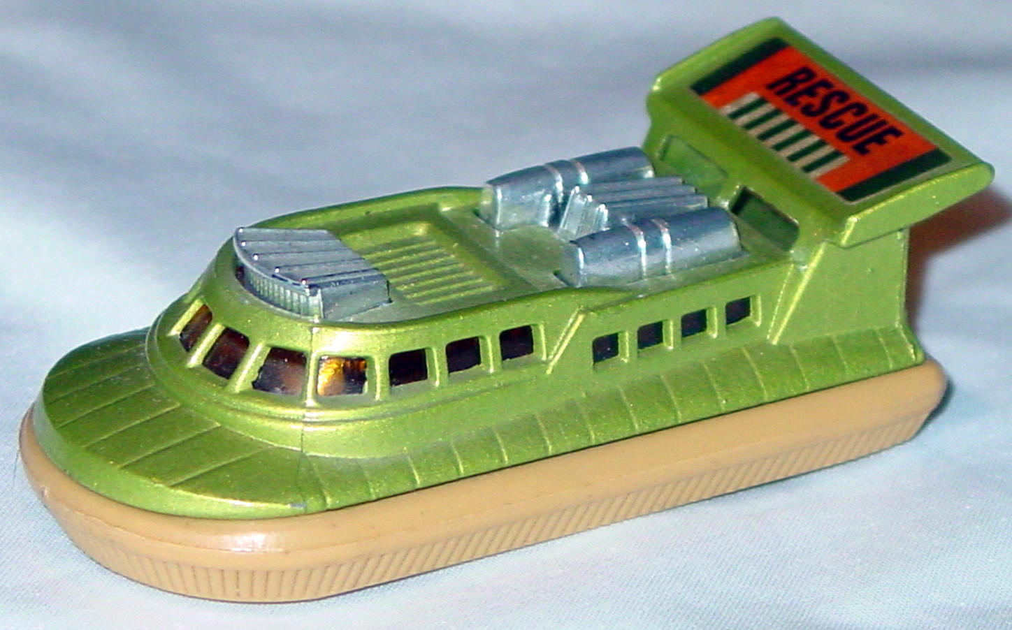 Lesney SuperFast 02 C 1 - Hovercraft lighter light green and tan silver air amber window Rescue