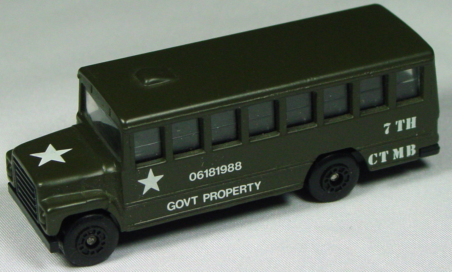 Offshore SuperFast 47 E 3 - School Bus olive made in China