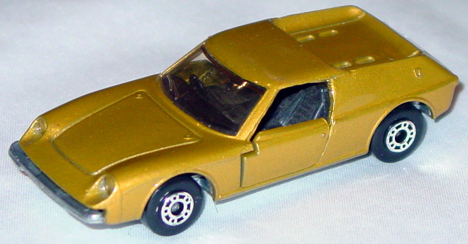 Bulgarian 05 A 3 - Lotus Europa met Gold sil-grey black light amwin roofrub