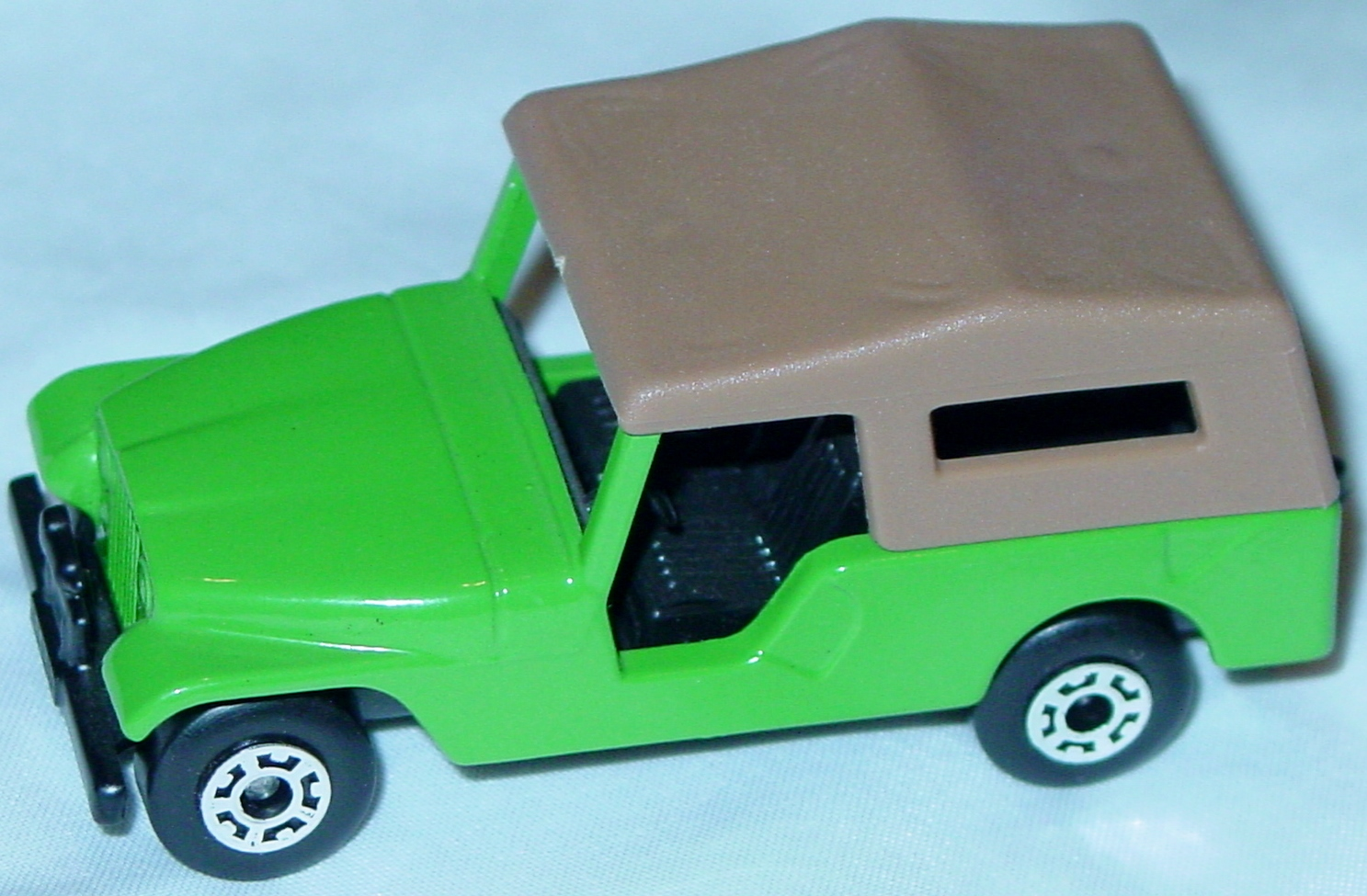 Hungarian 53 C 2 - CJ6 Jeep dark Lime tan roof black base black interior