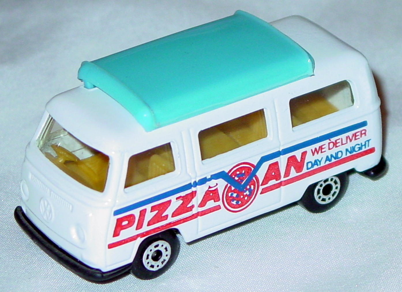Hungarian 23 A 13 - Pizza Van White blue top black base red and dark blue tampo