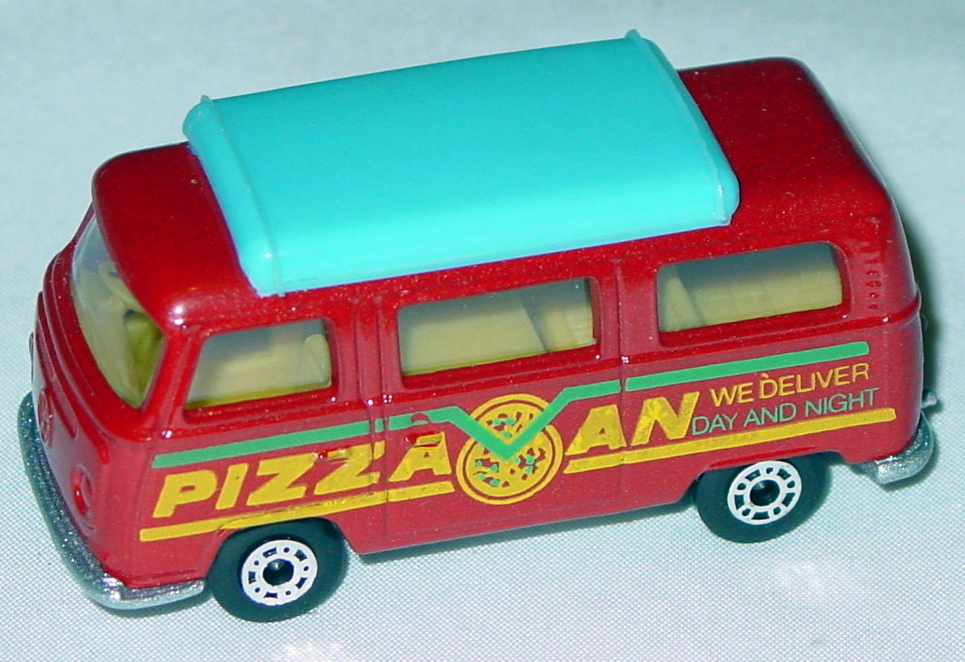 Hungarian 23 A 10 - Pizza Van Brick light blue top yellow interior metallic silver-grey yellow and green tampo