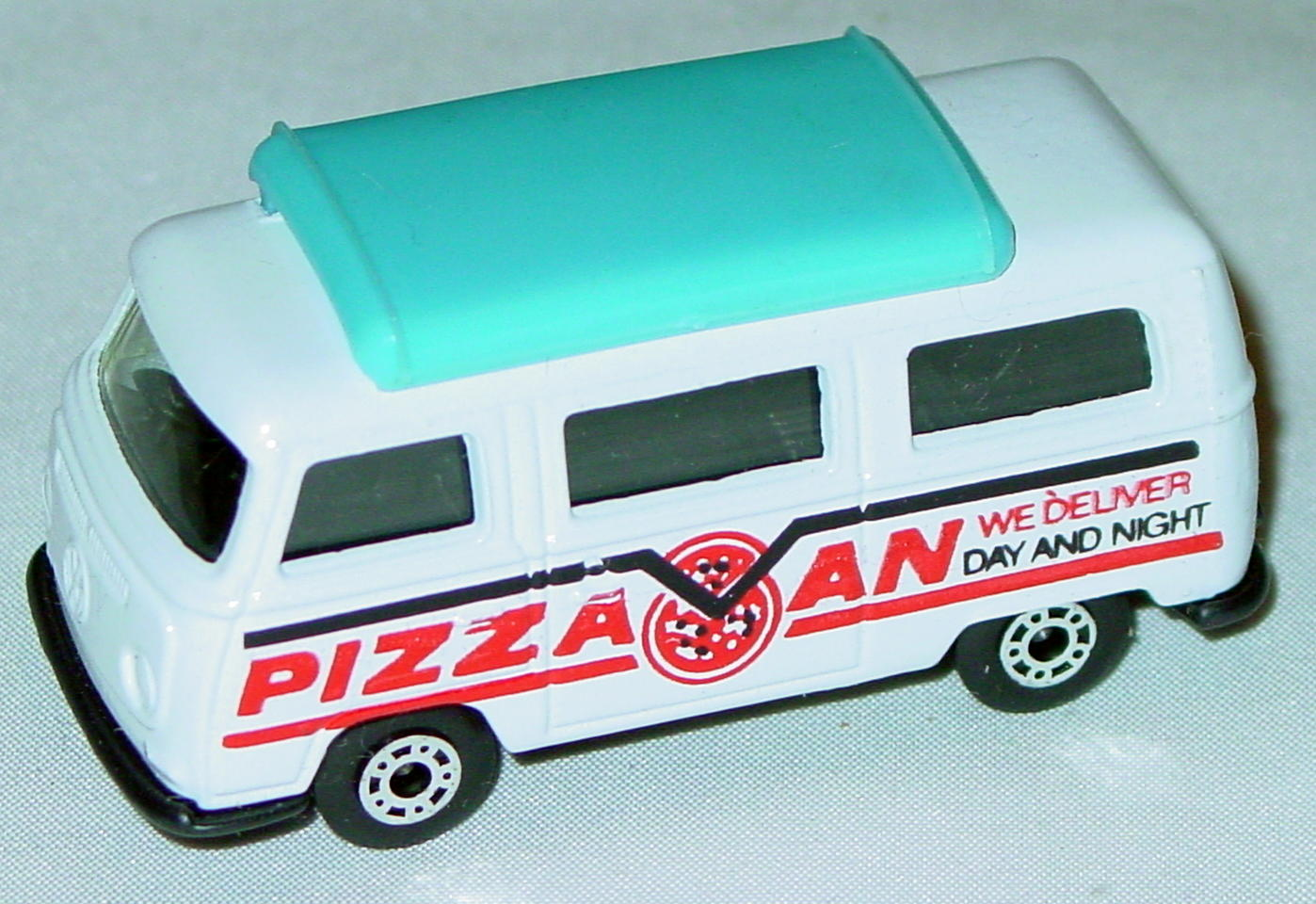 Hungarian 23 A 13 - Pizza Van White blue top black interior black base red and black tampo