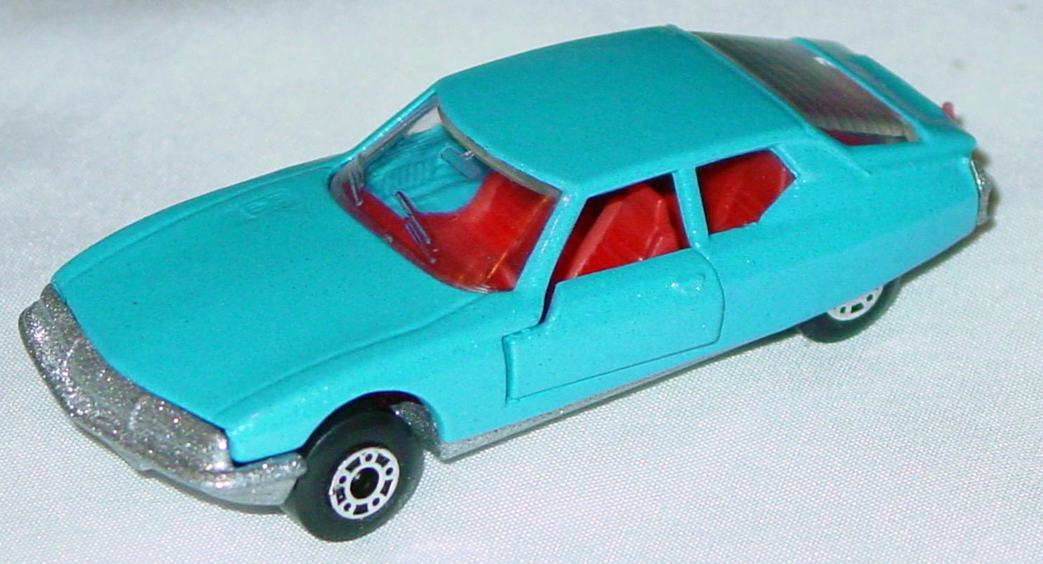 Hungarian 51 B 1 - Citroen SM light Blue red interior clear window met sil-grey base