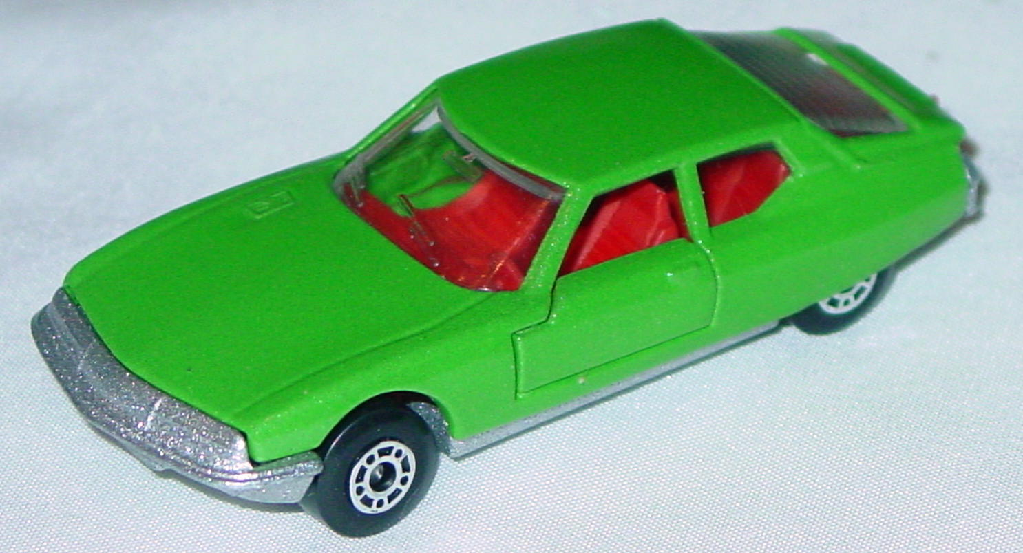 Hungarian 51 B 2 - Citroen SM met Green red interior clear window met sil-grey base