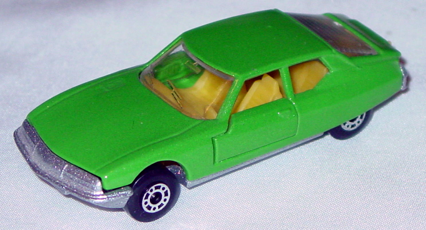 Hungarian 51 B 2 - Citroen SM met Green yellow interior clear window met sil-grey base