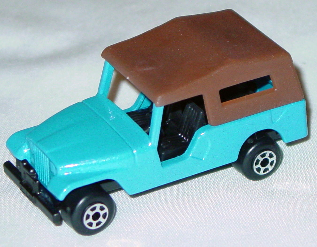 Hungarian 53 C 1 - CJ6 Jeep met light Blue black dark brown roof black base 5-spoke