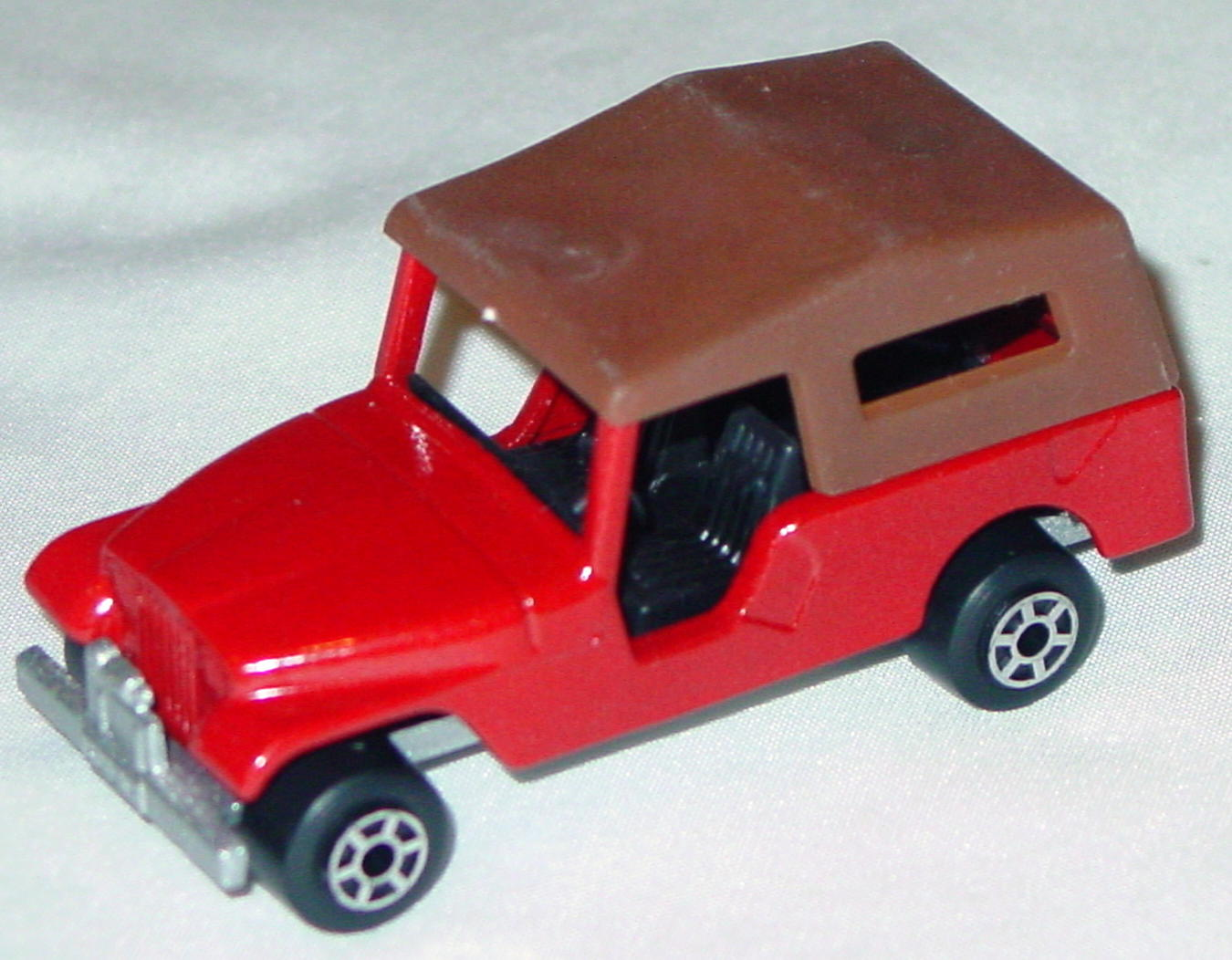 Hungarian 53 C 6 - CJ6 Jeep Red black dark brown roof met sil-grey 5-spoke