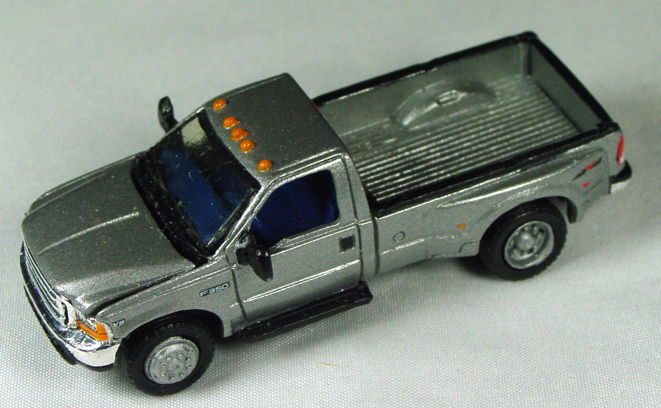 Pre-production 06 - Ford F-350 Pickup met Silver Feature Cars FC-06