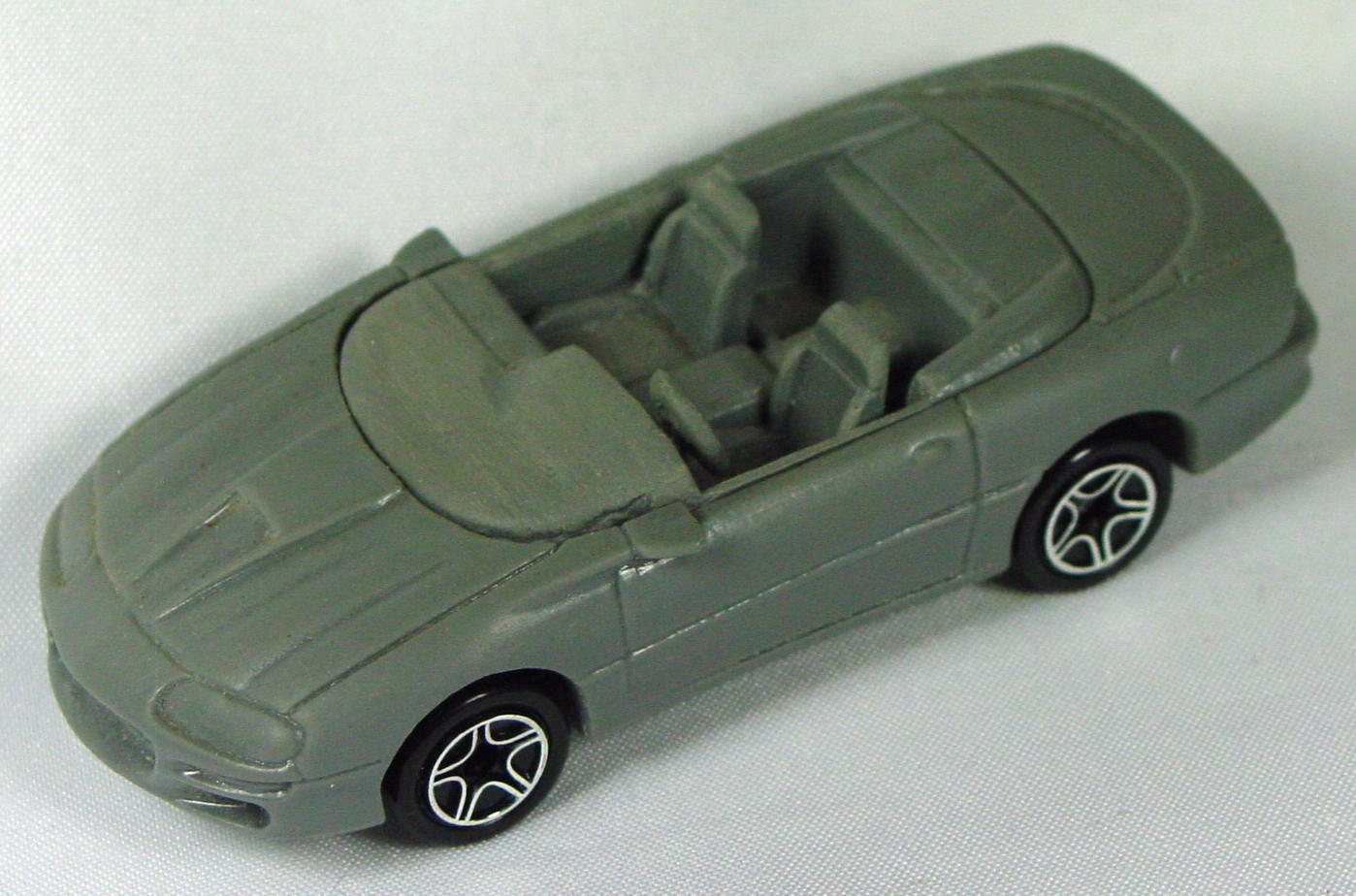 Pre-production 02 I - RESIN 98 Chevy Camaro Grey -windshield