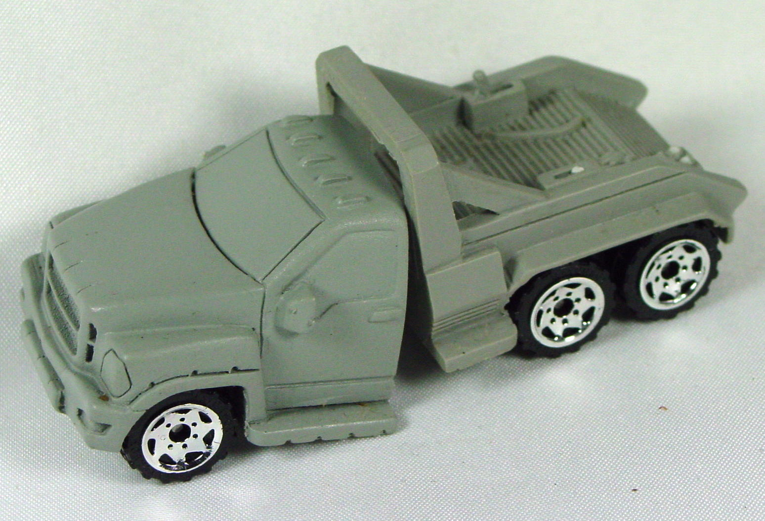 Pre-production 02 - RESIN 2-piece Tow Truck Grey missing booms