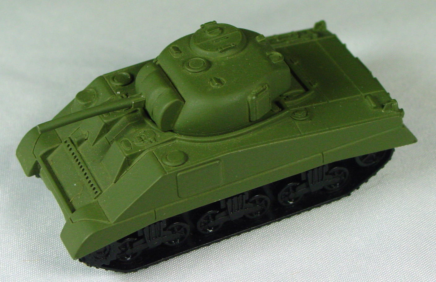 Pre-production 85 A - RESIN Sherman Tank painted olive