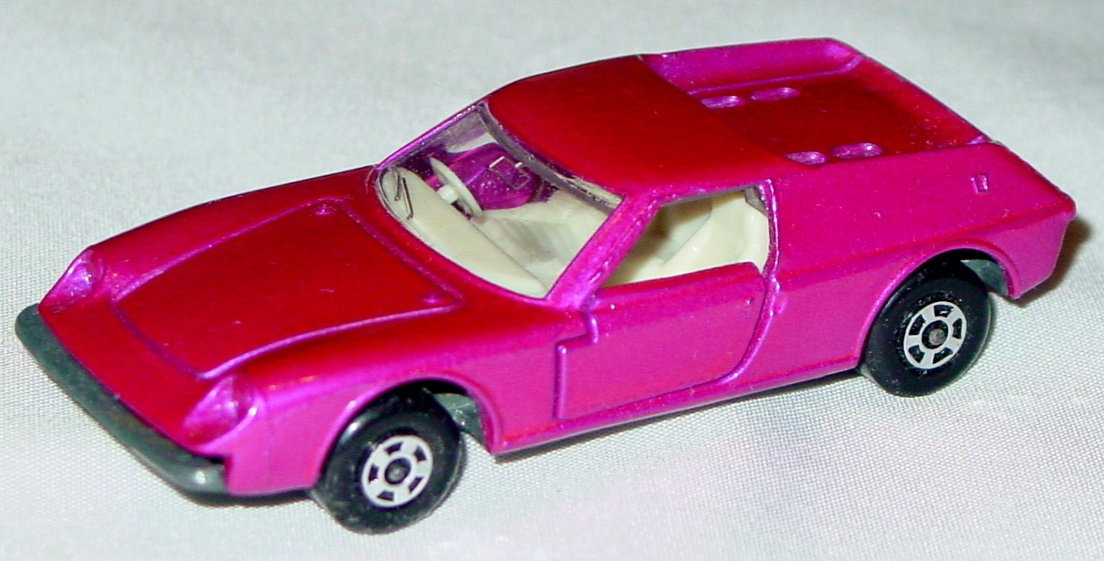 Lesney SuperFast 05 A 4 - Lotus Europa pink thick wheels