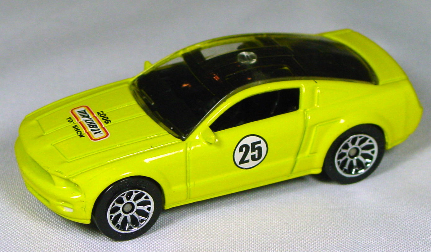 Offshore SuperFast 06 K - Ford Mustang Concept Yellow 2006 Toy Show