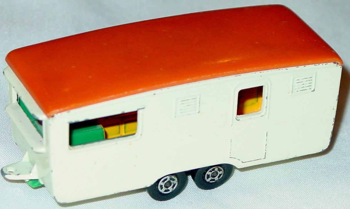 Lesney SuperFast 57 B 2 - Eccles Caravan cream with flower black axle -1 label