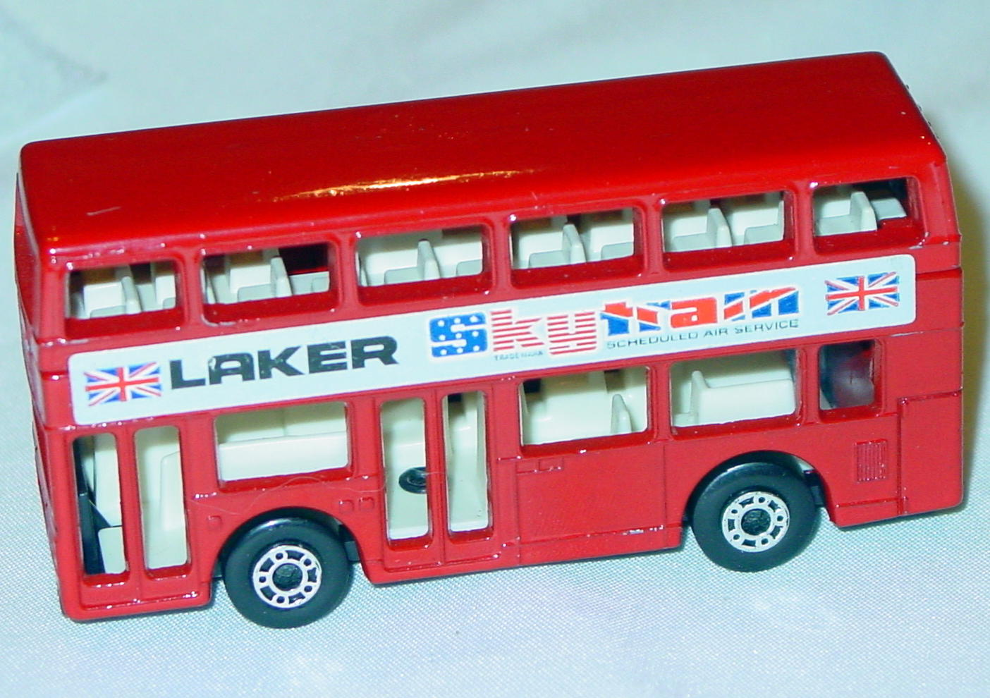 Lesney SuperFast 17 C 2 - Titan Bus Red Laker